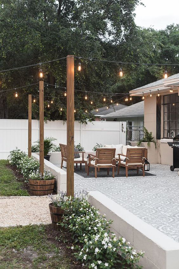 awesome-backyard-living-spaces-with-string-light