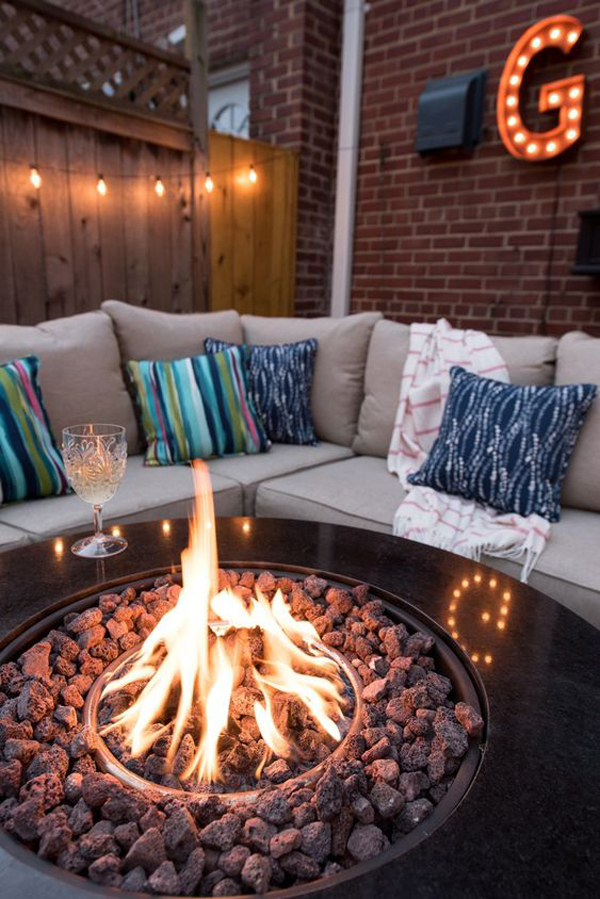 backyard-string-lighting-ideas-with-benches