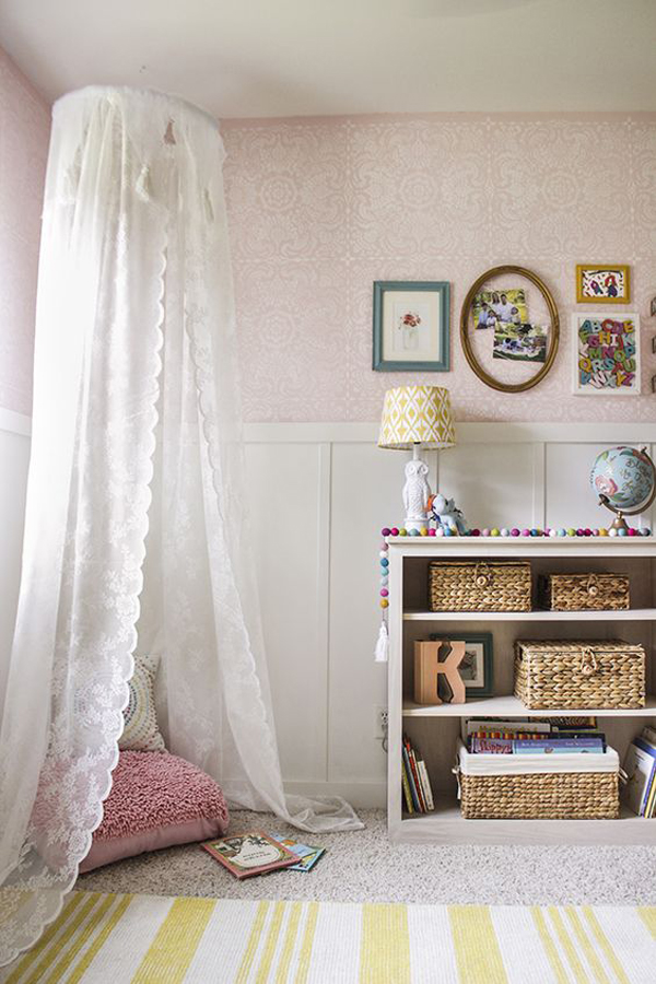 beautiful-little-girl-room-with-canopy-reading-nook