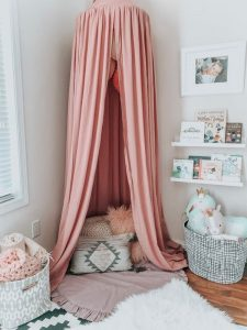 beautiful-toddler-room-with-canopy-reading-nook