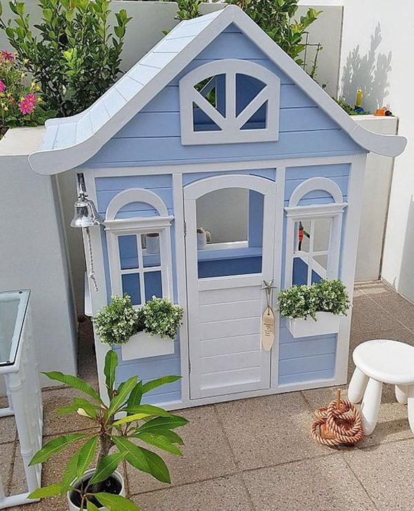 blue-diy-kmart-cubby-house-hacks