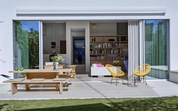 brilliant-indoor-outdoor-space