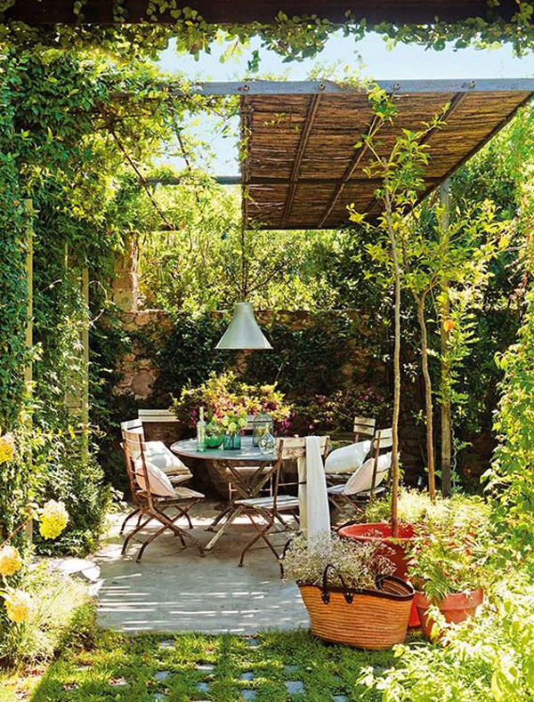 charming-patio-garden-with-outdoor-dining-areas
