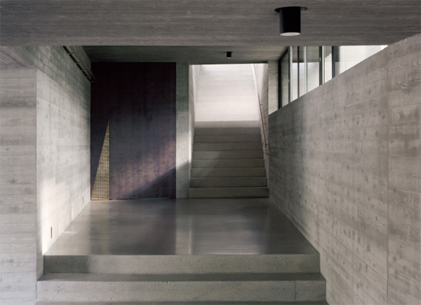 clean-and-minimalist-staircase-design