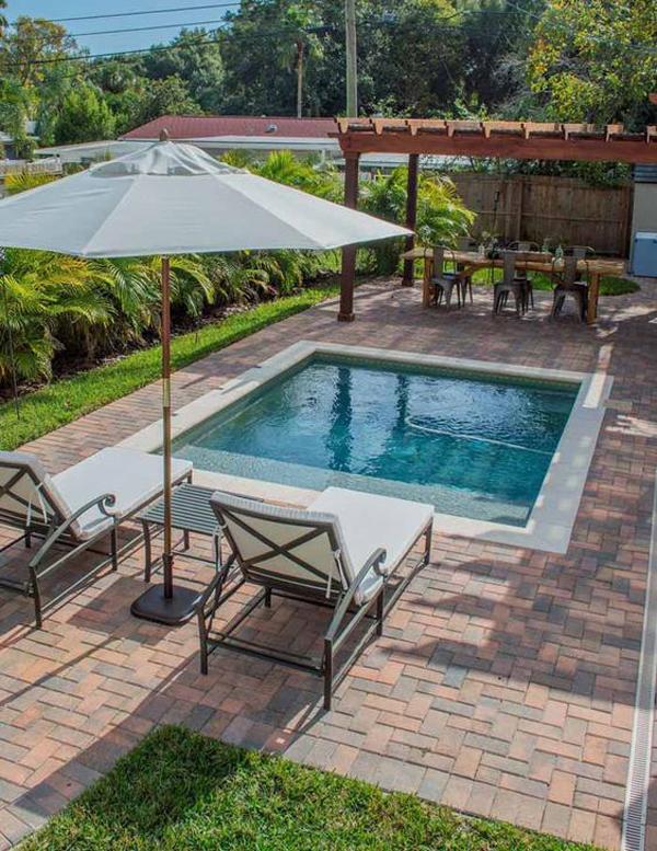 cocktail-pool-design-for-small-backyard