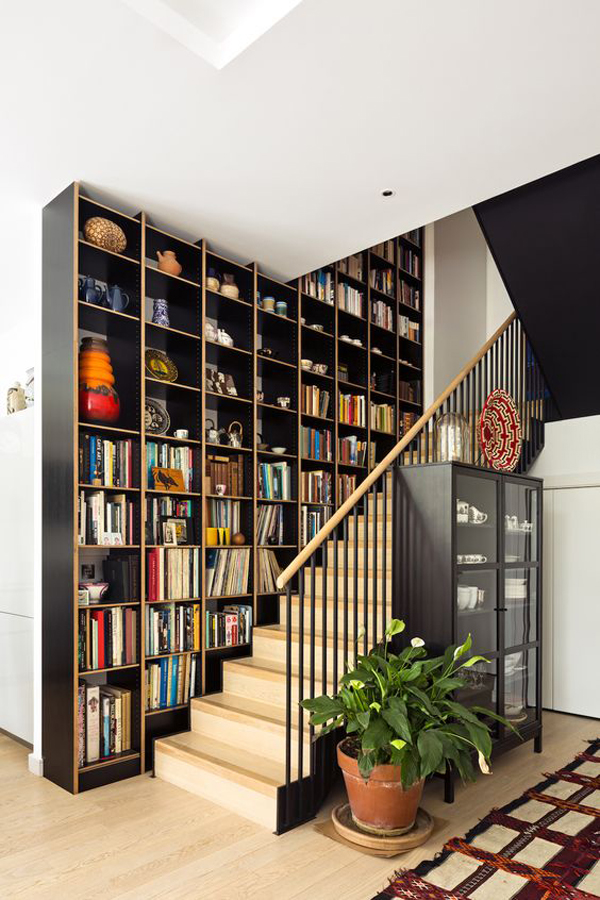 cool-staircase-book-storage