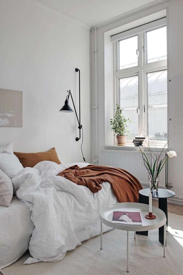 cozy-and-stylish-white-bedroom-design