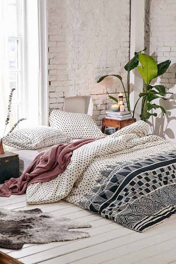cozy-apartment-bedroom-with-bohemian-style