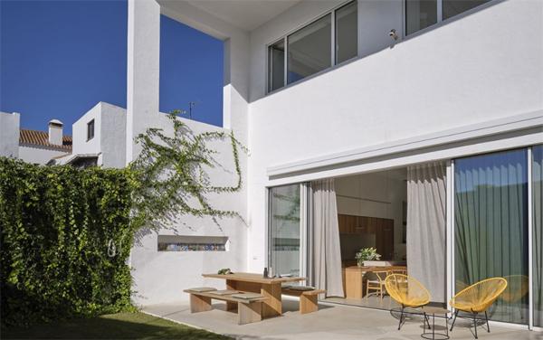 cozy-backyard-retreat-ideas