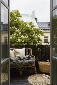cozy-balcony-deck-ideas
