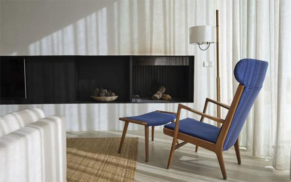 cozy-purple-reading-chair-design