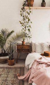 cozy-simple-bedroom-decoration