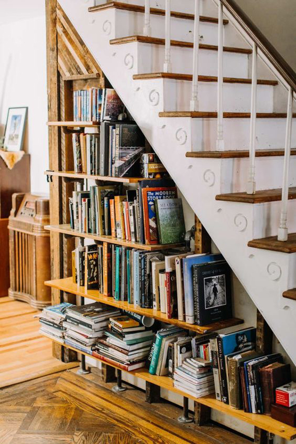 cute-under-the-stair-bookshelf-ideas