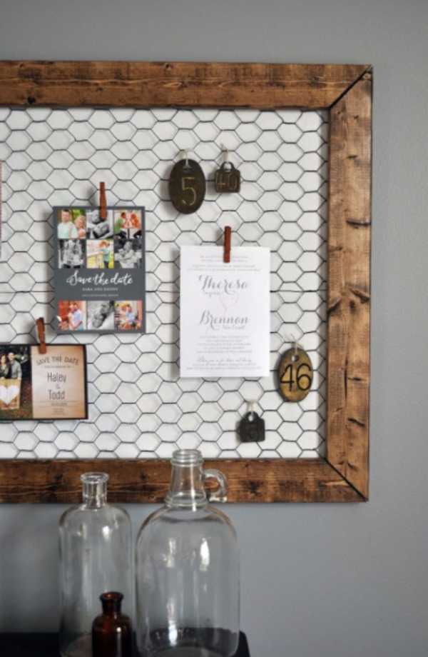diy-chicken-wire-bulletin-board