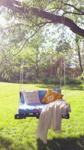 diy-wooden-backyard-swing-design