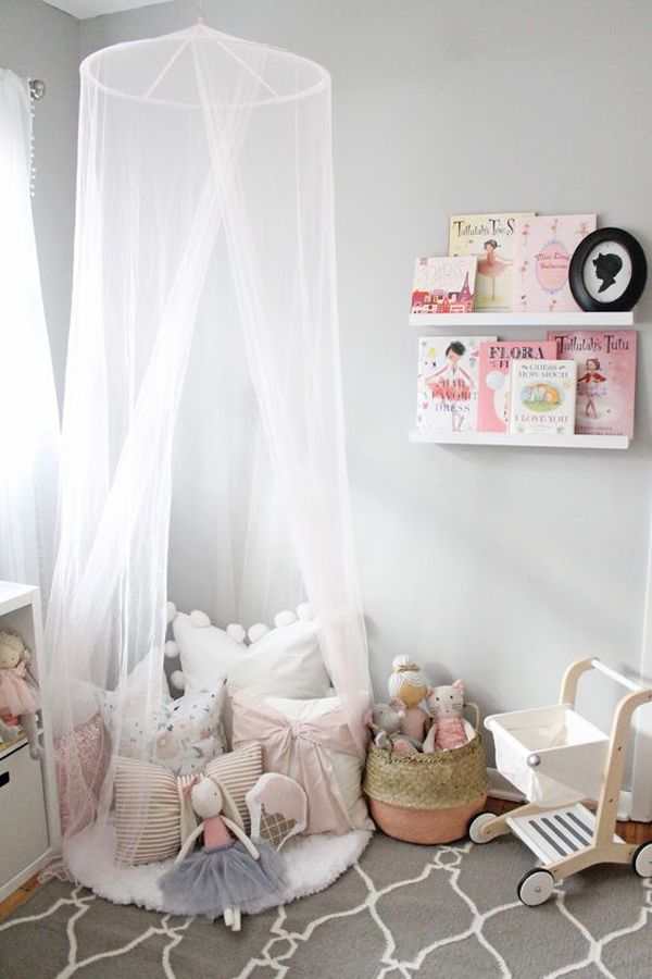dreamy-little-girl-room-with-canopy-reading-corner