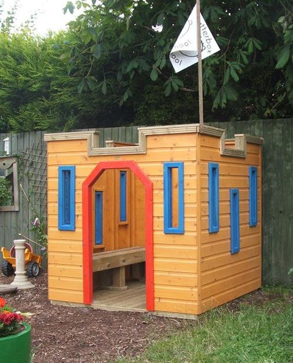 easy-and-kid-friendly-castle-in-backyard
