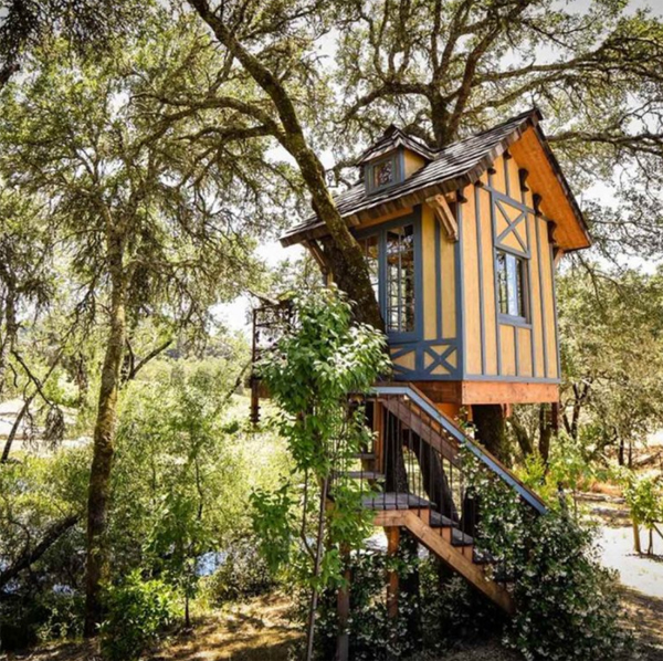 easy-diy-treehouses-design