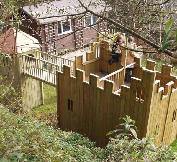 fun-diy-shared-castle-playhouses