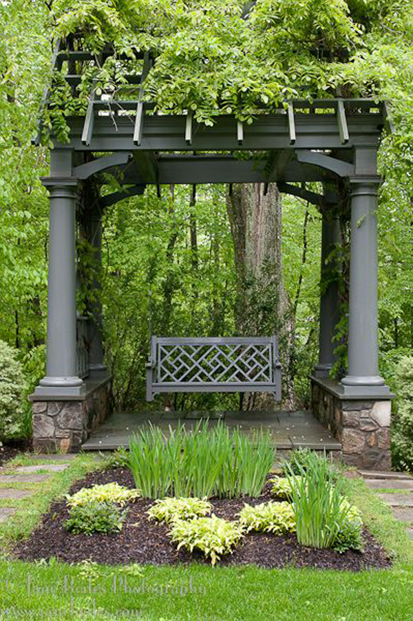 gorgeous-garden-pergolas-with-swing-seats