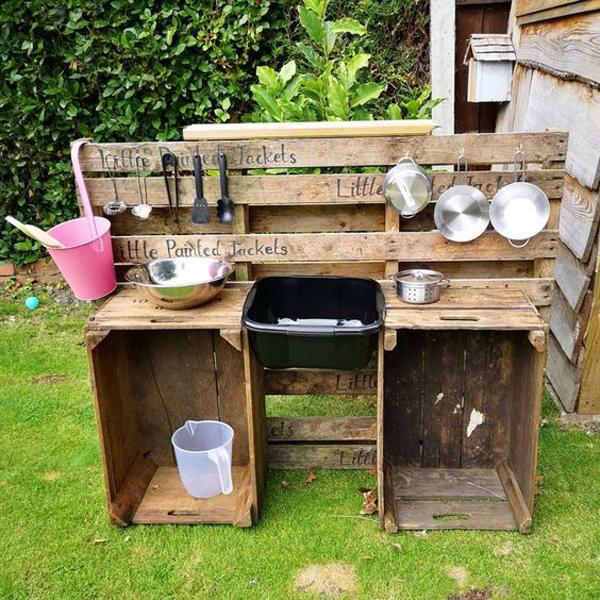hand-made-diy-mud-kitchen-design