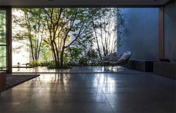 indoor-outdoor-optical-glass-interior-design