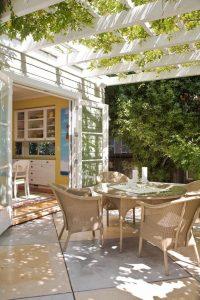 inspiring-small-patio-garden-with-pergolas