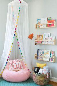 minimalist-diy-canopy-reading-nook