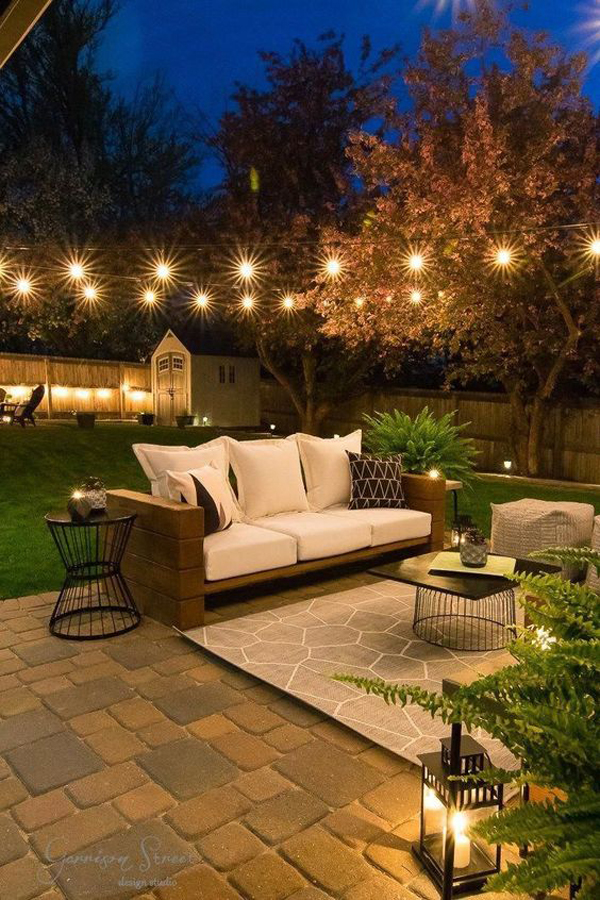 modern-backyard-patio-lights