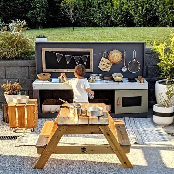 modern-outdoor-mud-kitchen-ideas-for-kids