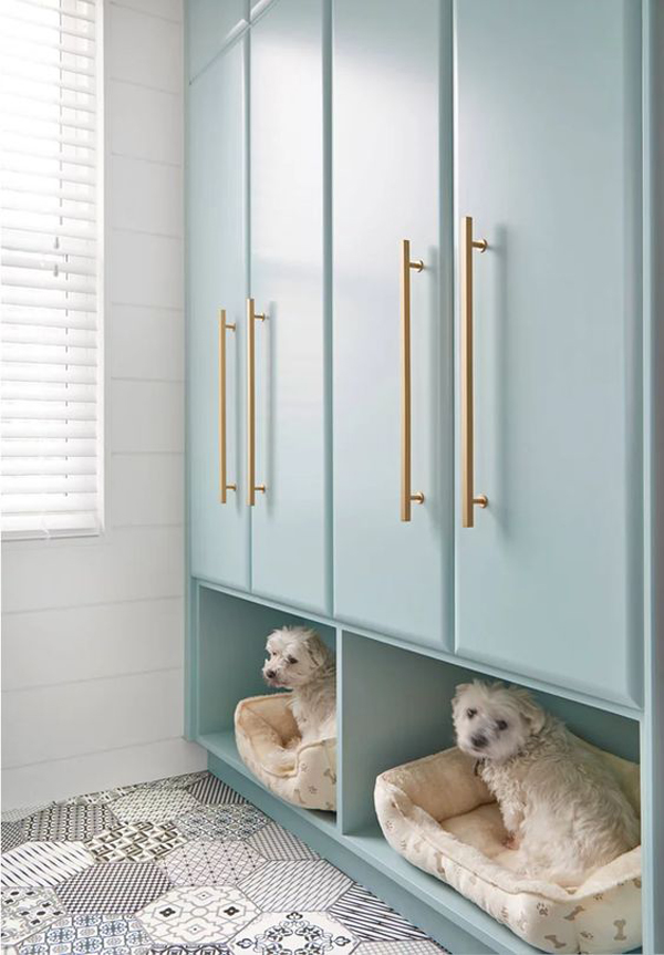 mudroom-ideas-with-dog-friendly-bed