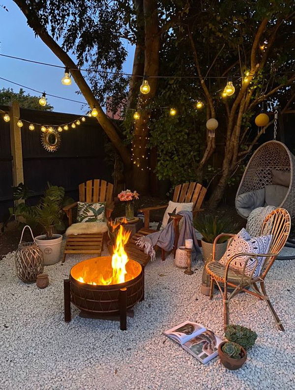 nautical-style-backyard-retreat-with-lighting