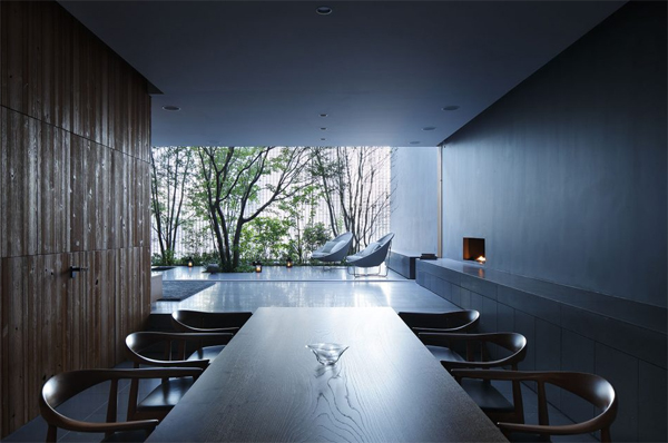 open-dining-room-integrated-with-outdoors