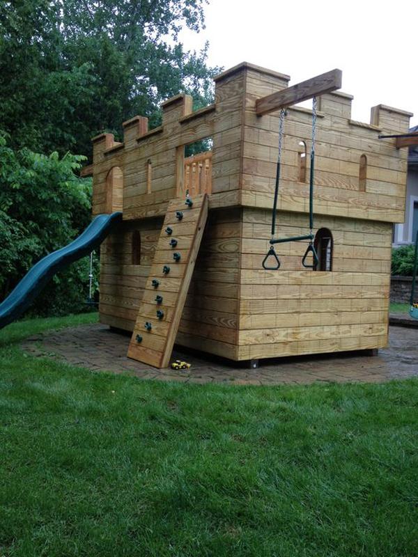 outdoor-diy-castle-play-set-ideas