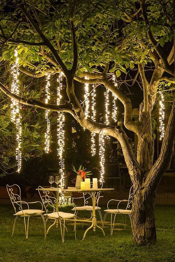 romantic-backyard-dinner-with-tree-lighting