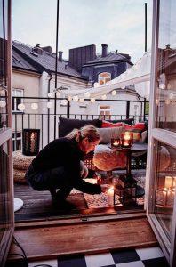 romantic-balcony-decks-with-lights