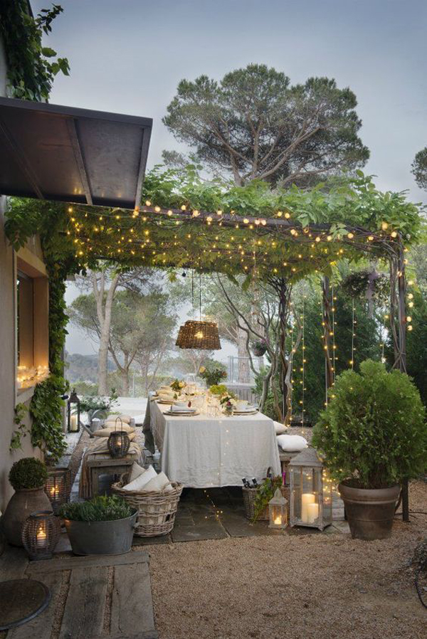 romantic-outdoor-dinner-string-lights