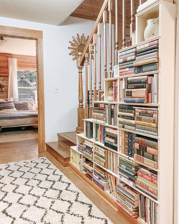rustic-staircase-bookshelves