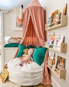 simple-canopy-reading-nook-for-kids