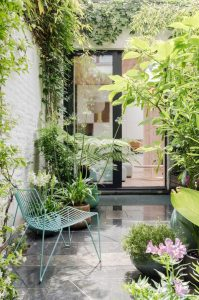 stylish-and-small-patio-garden-decor