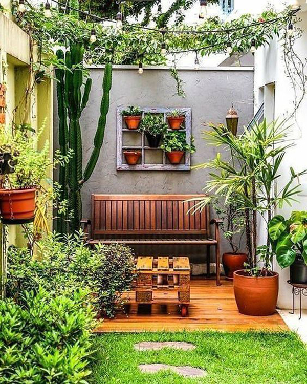 tredy-small-patio-garden-design