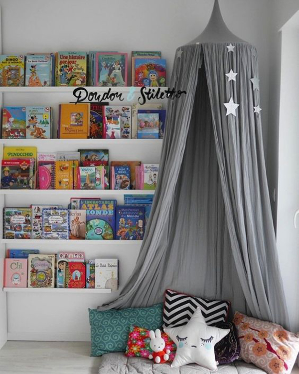 trendy-canopy-reading-nook-with-mini-library