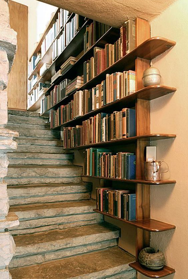 vintage-staircase-with-bookshelves