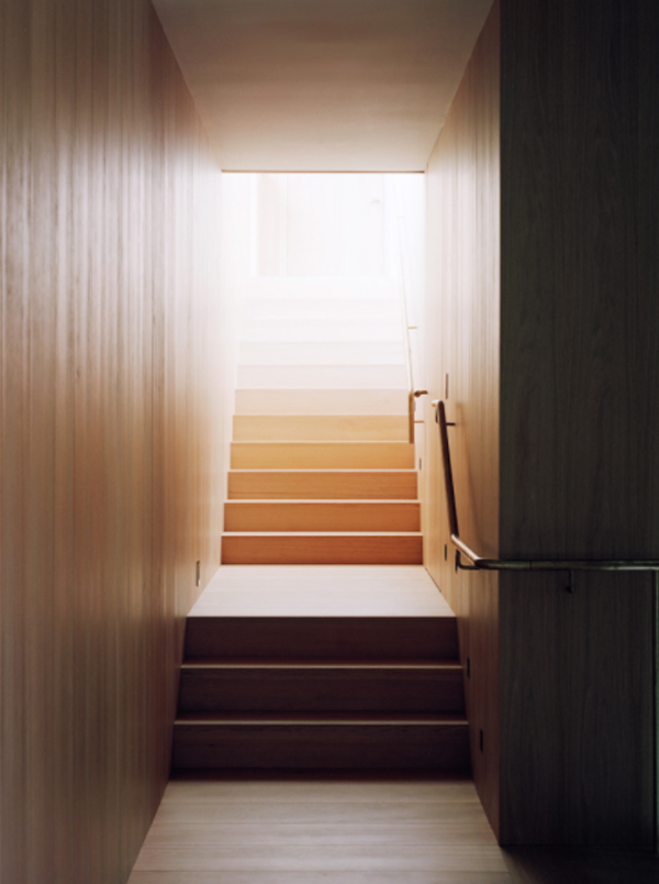 wood-staircase-with-hallway