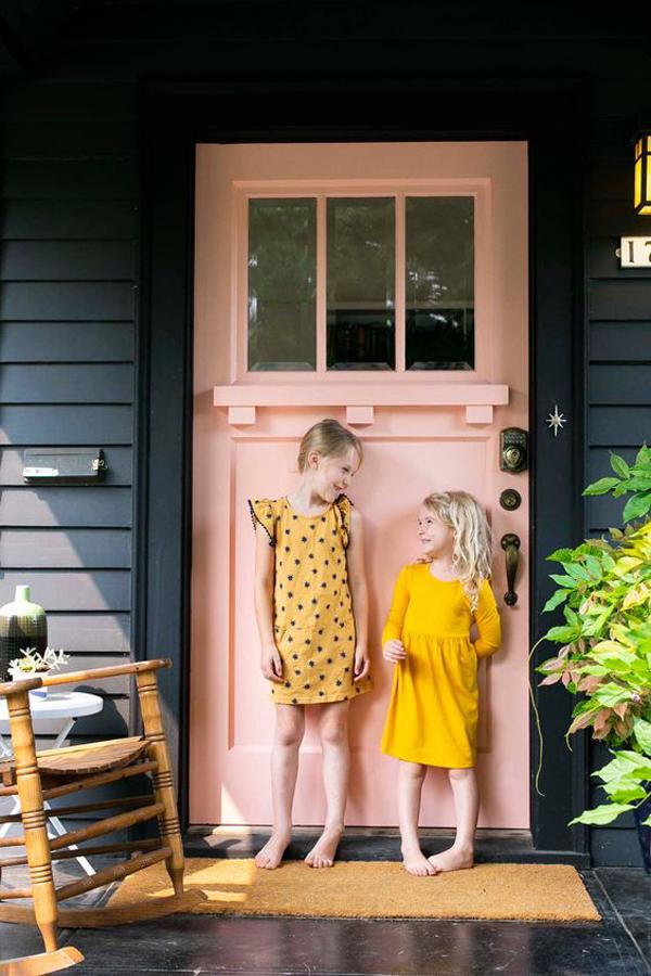 adorable-bold-pink-door-design