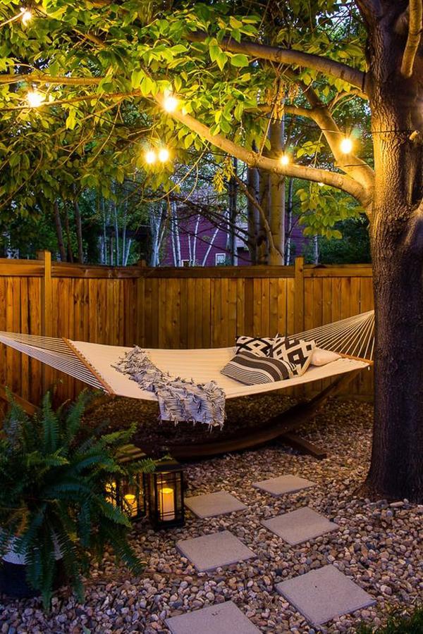 backyard-hammock-oasis-with-pea-gravel