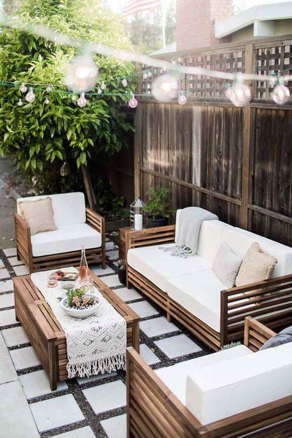 backyard-living-space-with-tropical-vibes