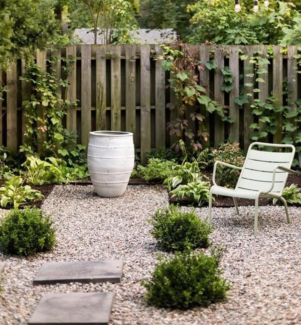beautiful-backyard-retreat-with-gravel-ideas