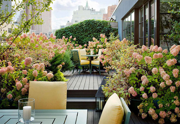 beautiful-floral-rooftop-garden-decor