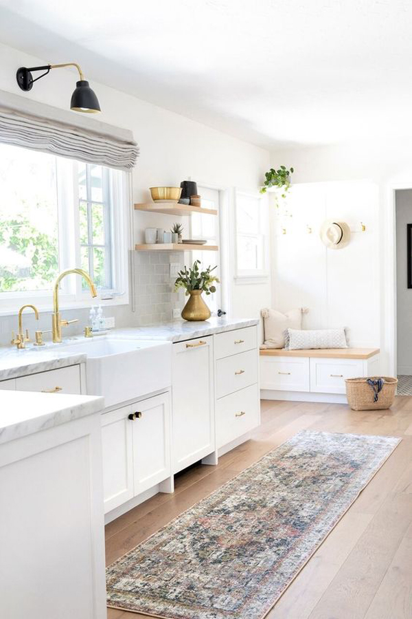 bright-kitchen-with-traditional-rugs